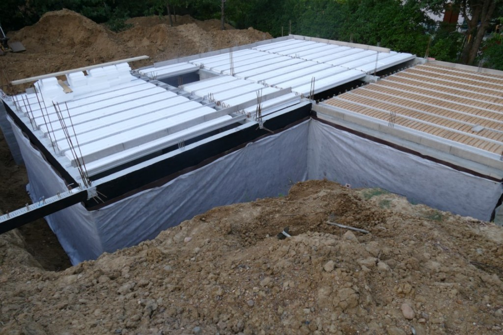 Sous sol tanch it des murs enterr s c est fait la for Infiltration eau garage